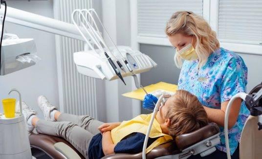 Co zrobić gdydziecko boi się dentysty?