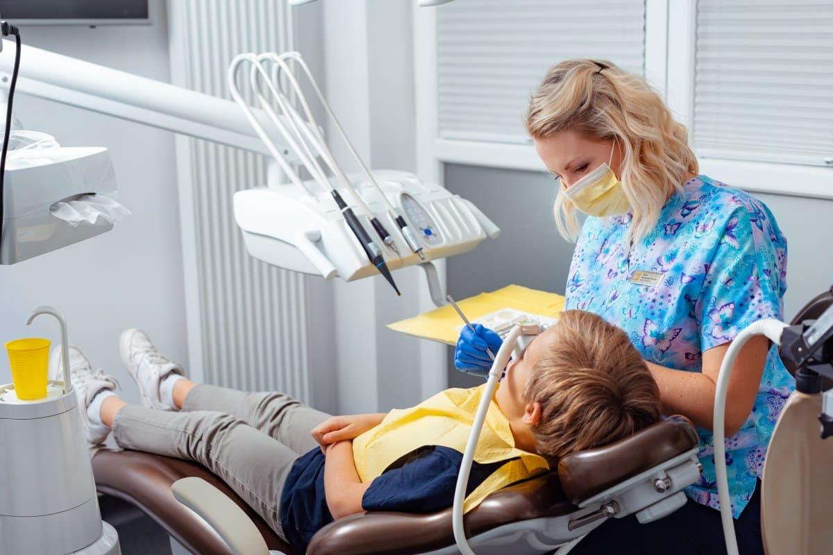 Leczenie bezbolu - stomatologia dziecieca - dentimkids.pl